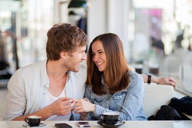 彼女大好き男性がとるベタ惚れ行動や仕草17選とは?