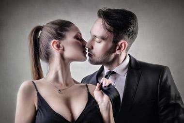 女性を興奮させるディープキスの上手いやり方14選