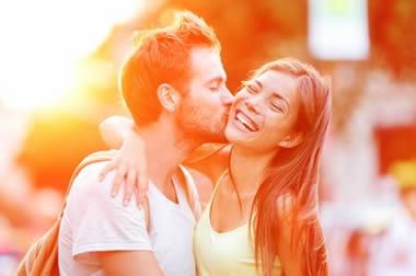 男性が萌える!彼女がキスの最中にする行動や仕草20選
