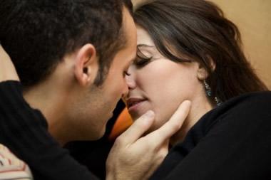 なぜ無理矢理キスしてくるの?相手にムリヤリキスされた時の対処法