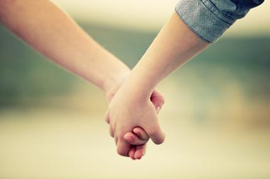 男性がキスしたくなる瞬間とは?好きな彼からキスして貰う方法