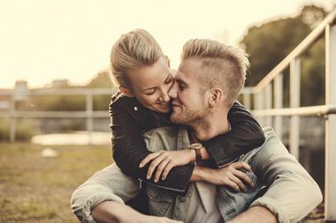 付き合う前のキスは当たり前!女性が付き合う前にキスする心理とは?