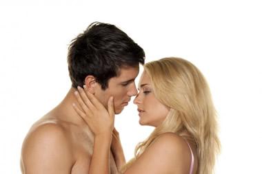 キスする夢は欲求不満サイン!キスする夢の詳しい意味とは?