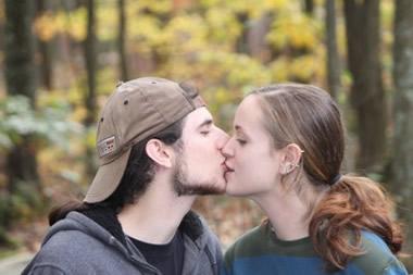 酔って突然キスしてくる男性心理13個!ベストな対処法とは?