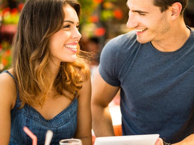 彼氏がいるのに気になる人が出来てしまう理由と対処法10選