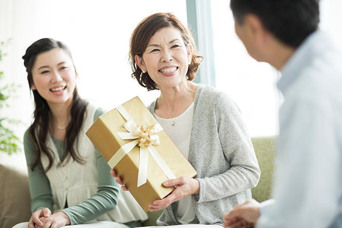 おしゃれな大人の女性が絶対に喜ぶ、おしゃれなプレゼント10選